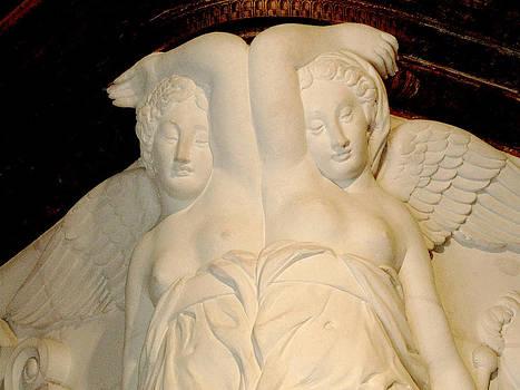 Randi Kuhne - Chateau de Chenonceau Angels