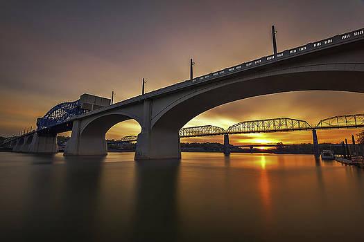 Chattanooga Sunrise by Ben  Keys Jr