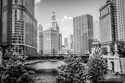 Chicago at Wabash Bridge Black and White Picture by Paul Velgos