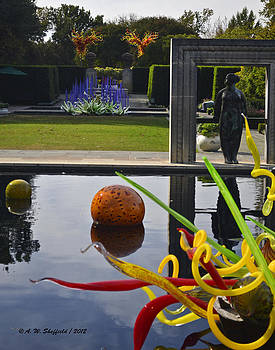 Allen Sheffield - Chihuly Art from the Infinity Pond