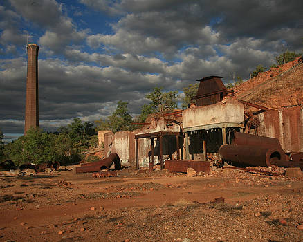 Chillagoe Smelter by Gordon  Grimwade