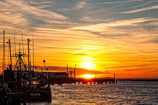 Lara Ellis - Chincoteague Bay Sunset