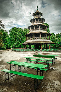 Chinesischer Turm I by Hannes Cmarits