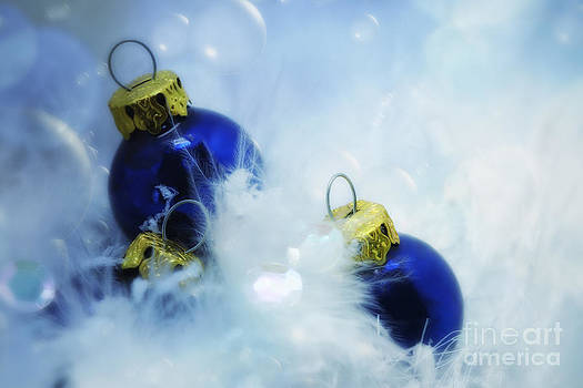 LHJB Photography - Christmas baubles blue