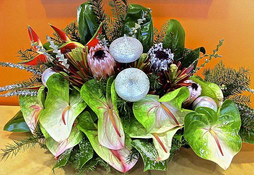 Venetia Featherstone-Witty - Mele Kalikimaka Christmas in Hawaii