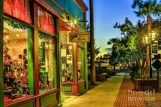 Paula Porterfield-Izzo - Sunset Christmas Store