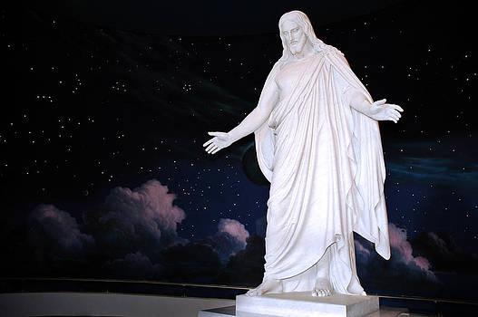 Christus Replica by Karin Hildebrand Lau