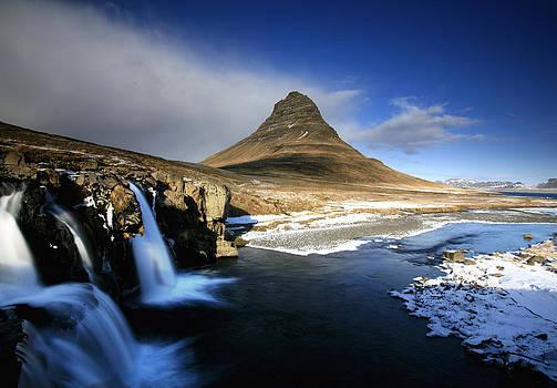 Church Mountain by Stefan  Gudmundsson