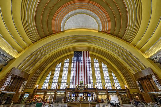 Cincinnati Union Terminal by Dick Wood