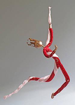 Cirque by Lynn Wartski
