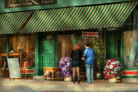 Mike Savad - City - Canandaigua NY - Buyers delight