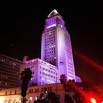 City Hall Does Look Pretty Nice At by Andres Cruz