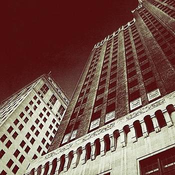 #citylife #city #urban #skyscraper by Artondra Hall