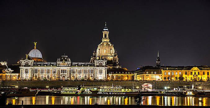 Thomas Schreiter - Cityscape Dresden at night
