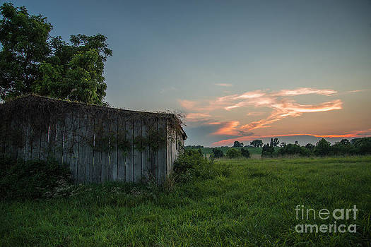 Civil War Barn by Chuck Smith