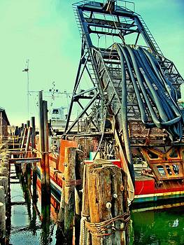 Rick Todaro - Clamboat in Dock