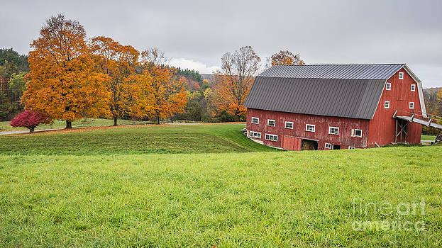 Edward Fielding - Classic New England Fall Farm Scene