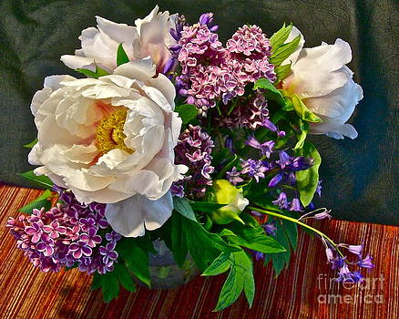 Classical Floral by Linda Zolten Wood