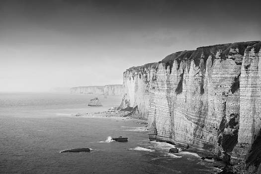 Cliffs near Etretat by Alexey Druzhinin