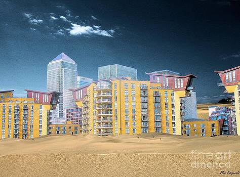 Climat change a view over the Dune Thames of Canary Wharf London Docklands England by Flow Fitzgerald