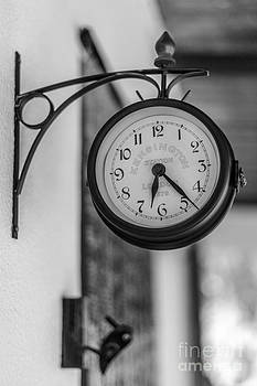 Clock by Eugenio Moya