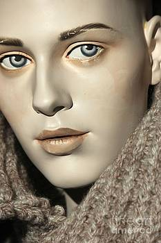 Sophie Vigneault - Closeup on Mannequin