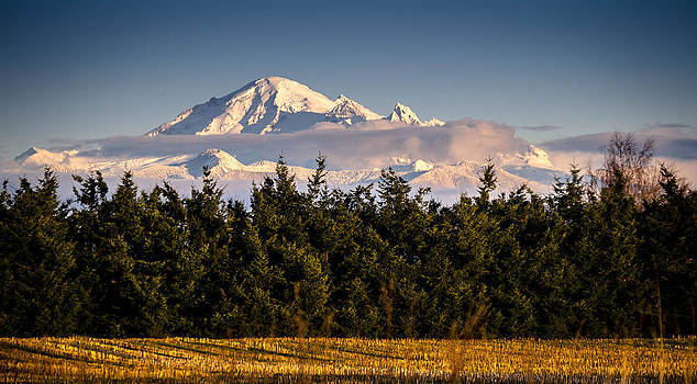 Cloud around Mount Baker by Blanca Braun