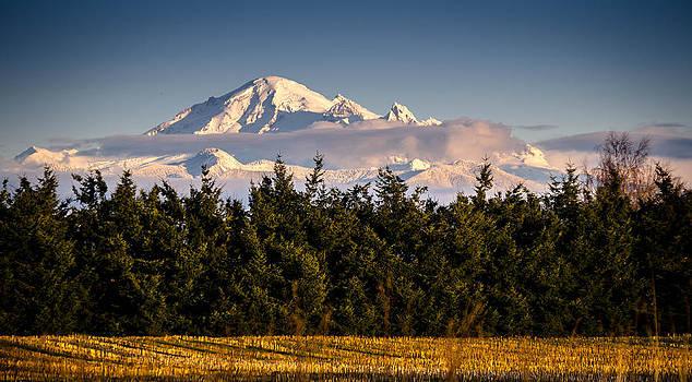 Cloud around Mount Baker by Blanca Braun