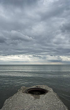Arkady Kunysz - Clouds above Lake Ontario