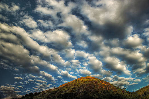 Clouds over Serra da Gloria - Valenca - Brazil by Igor Alecsander
