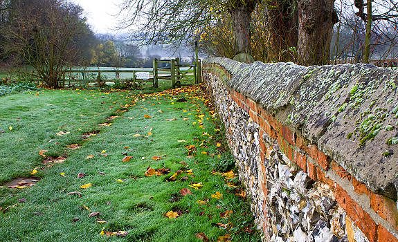 Fizzy Image - cobbled wall leading down to fields