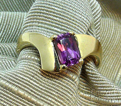 Danny Shaw - color change purple sapphire