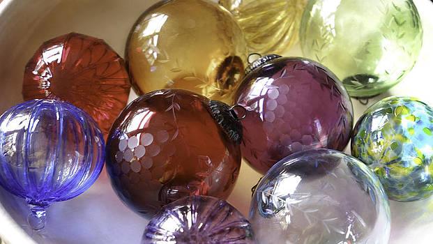 Colored Balls by Thomas Sauerwein