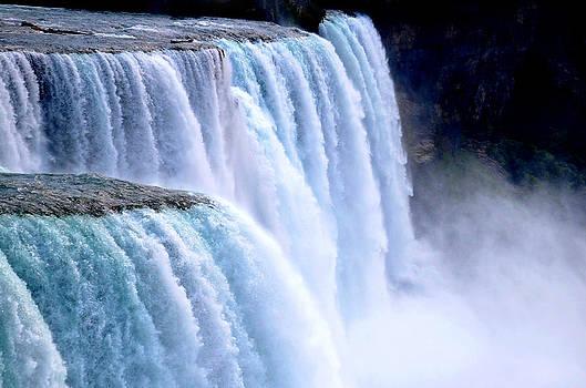 Linda Rae Cuthbertson - Colorful Niagara Falls