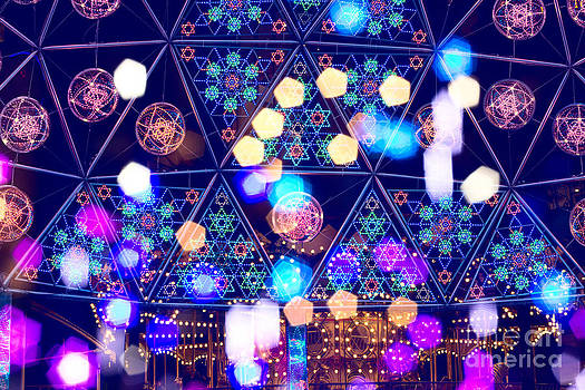 Beverly Claire Kaiya - Colorful Psycedelic Lights and Shapes at Amusement Park