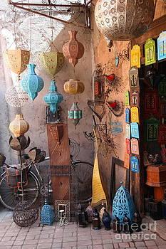 Sophie Vigneault - Colorful Shop