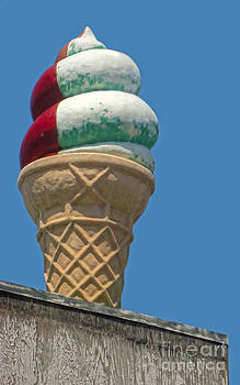 Gregory Dyer - Coney Island Giant Ice Cream Cone