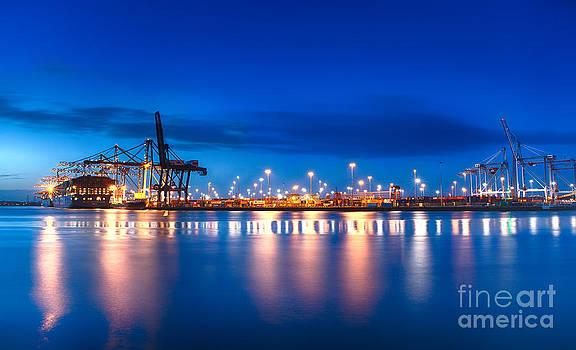 Simon Bratt Photography LRPS - Freight Night