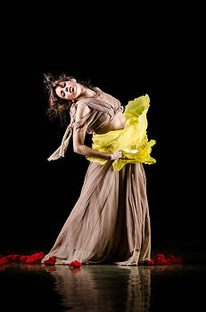 Contemporary oriental dance by Gia To