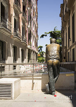Copper statue en Madrid by Stefano Piccini