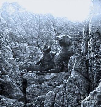 Gregory Dyer - Corona del Mar Seals Statue - black and white