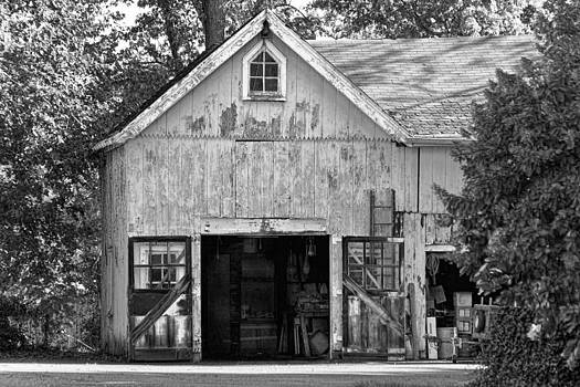 Mike Savad - Country - Barn Country maintenance