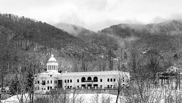 Courthouse Snow 2014 by Matthew Turlington