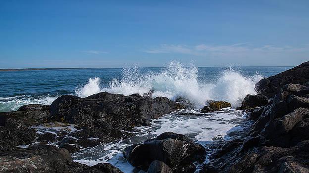 Crashing Waves by Darren Langlois