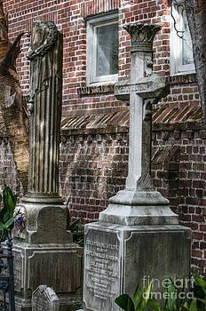 Dale Powell - Cross Tombstone