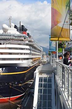 Nicki Bennett - Cruise Dockside in Vancouver