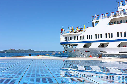Cruise ship by Borislav Marinic