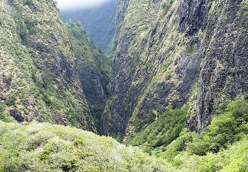 Ramunas Bruzas - Crushed Valley