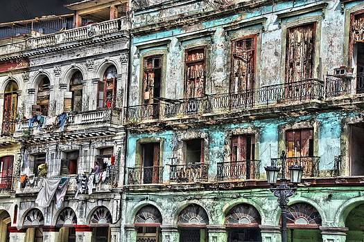 Cuba Apartments by Perry Frantzman
