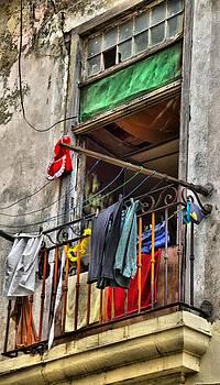 Cuba Apt by Perry Frantzman